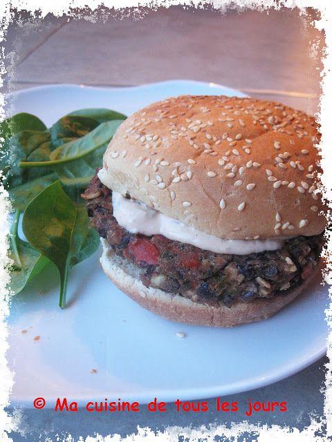 Ma cuisine de tous les jours: Burgers épicés aux haricots noirs avec mayonnaise au chipotle