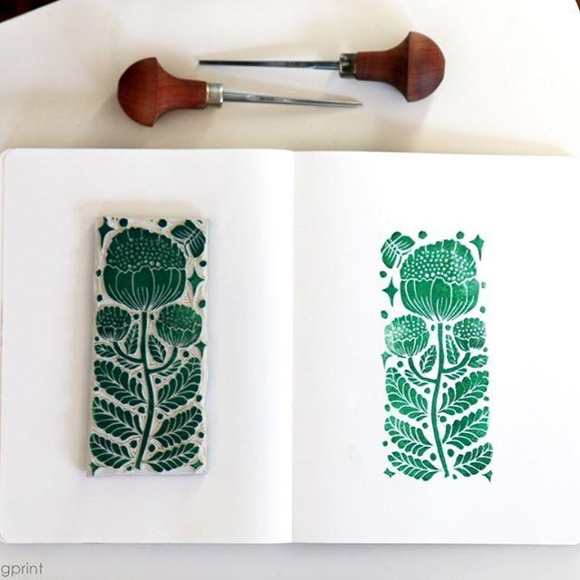 bright and shiny winter day❄️🐰 #blockprint #blockprinting #printmaking #printmaker #handprinted #handcarved #linocut #stamp #stamping #print #printing #paper #simple #flower #floral #pattern #textile #illust #illustration #sketch #handmade #판화 #꽃 #일러스트 #이미지 #그림 #디자인 #카드 #핸드메이드 #아트