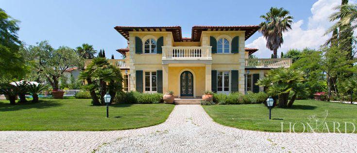 Magnificent Luxury Villa in Forte dei Marmi