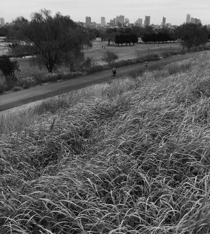 鋳物の街、川口をのぞむ荒川 @赤羽ゴルフ倶楽部