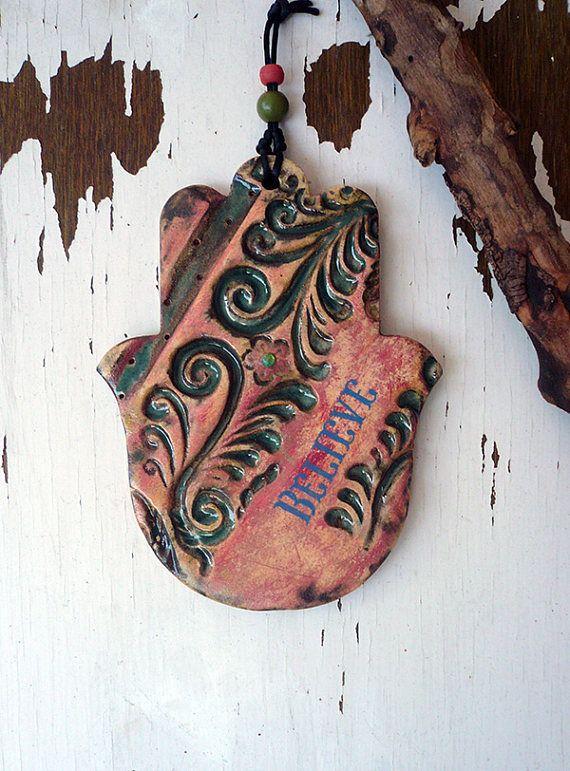 Decorazione della parete di Hamsa ceramiche fatte a mano, uno di una mano in ceramica tipo Hamsa, credere segno, originale artigianale Hamsa, portafortuna, pronto per la spedizione.