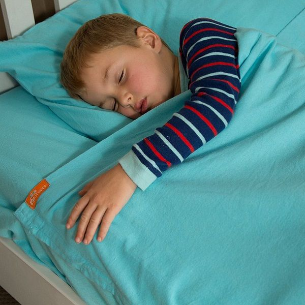 Best kids sheets ever! With zips on both sides, kids stay tucked in all night. See more kids zip sheets at Bunk Beds Bunker.