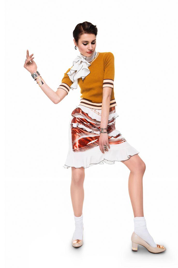Sukienka: Jacob Birge Vision Sweter: Glamorous Buty: Wittchen Kolczyki: Lewanowicz Bransolety: La Loba