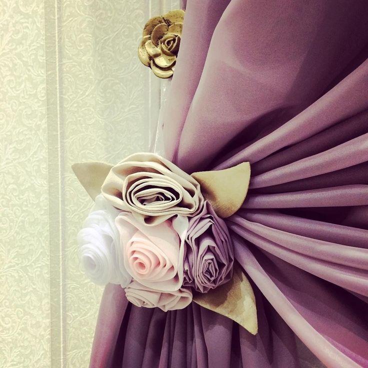 #подхваты ручной работы стали стильным дополнением к шторам @zuevanatalia73 #ткани #galleria_arben #шторы #декорокна