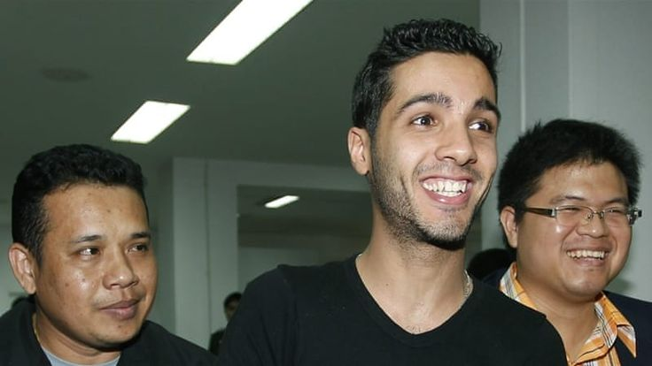 Whowas Hamza Bendalladj and why is he considered as Best hacker of all time?  http://gadgetteacher.com/hamza-bendelladj-robin-hood/