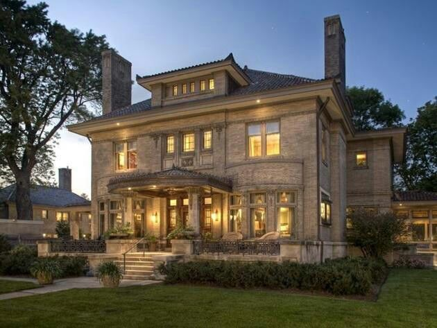 Exterior Mansion: Minneapolis, Minnesota Arts And Crafts Mansion: Exterior