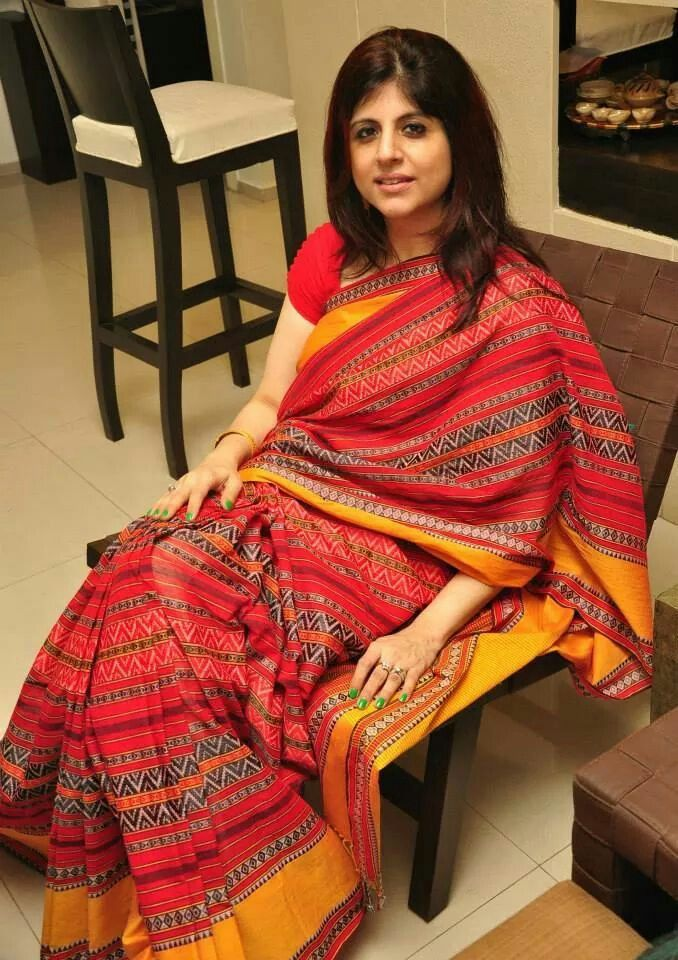 A Dhanekali weave Bengal cotton saree. It is a Byloom Saree. I love their light ... 5
