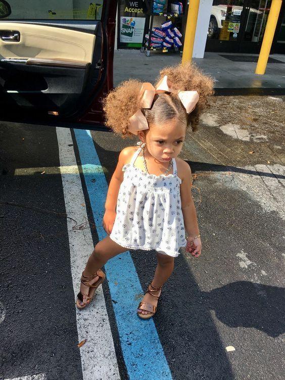 The baby doll is sooo cute😍A future model🙌🙌 #blackgirlmagic #cute #cutiepie #babydoll #beautifulgirl #naturalhair #curlyhair #beautifulhair #naturalhairjourney #melaninpopping #beauty