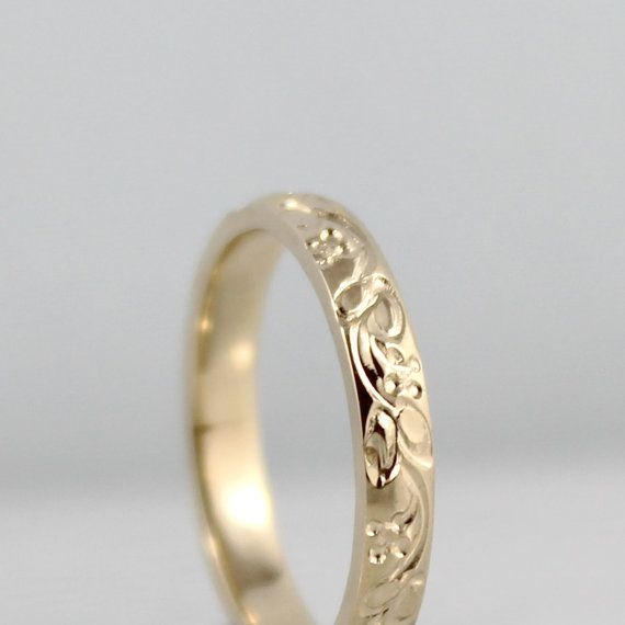14K Gelb Gold Ehering  Design-Band  Stacking von EngagedJewelry