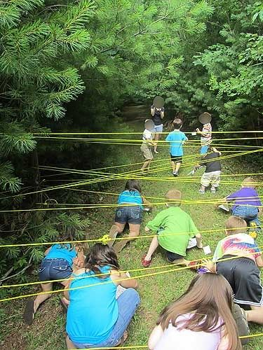Crawl through the sticky spider webs of Mirkwood Forest at a Hobbit party! www.weheartparties.com