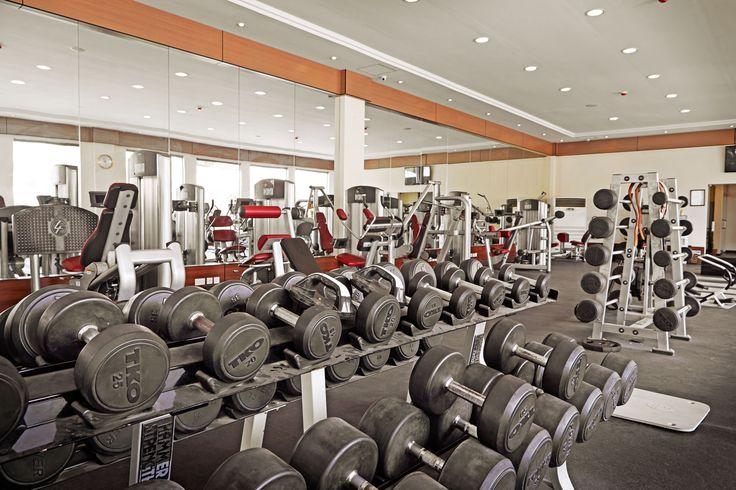 """To achieve something you've never had before, you must do something you've never done before. #MondayMotivation It's that time of year again to join our """"Fitlynxx"""" gym to get in shape and lose weight.  #LuxuryResort #Oman"""