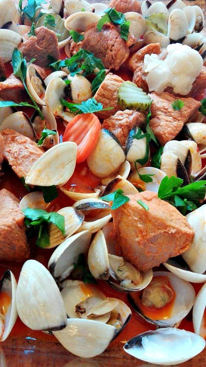 A Carne de Porco à Alentejana, prato que eu adorooooooooooooo, fica muito boa feita na ...