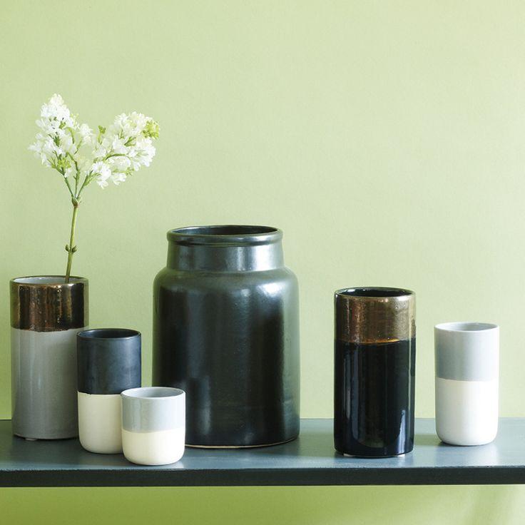 Oi Soi Oi shiny black/gold vase