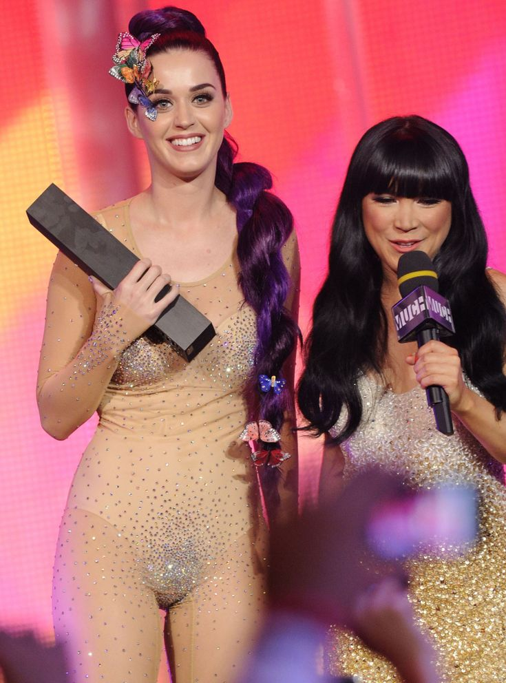 Pin By Leles Boutique On The Almost See Through Dress  Katy Perry, Katy-4371
