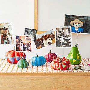 Thanksgiving for Kids: Crafts and Table Fun: Gourd-geous Photo Display (via FamilyFun Magazine)