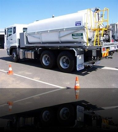 Felco Manufacturing - 12000 litre Tanker, direct Chassis mounted for #Road #Watering application. http://goo.gl/15Pbn1