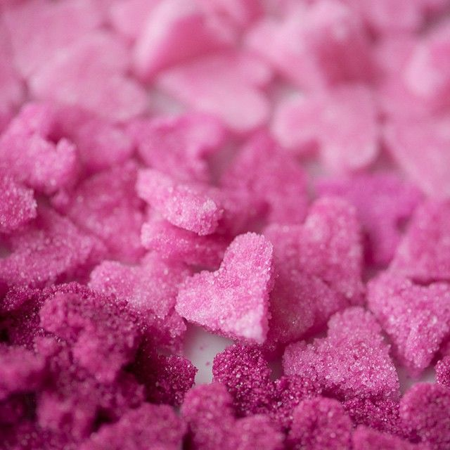 """Pink sugar hearts are SO pretty.  by @weddingchicks #pink #ombre #valentinesday…"