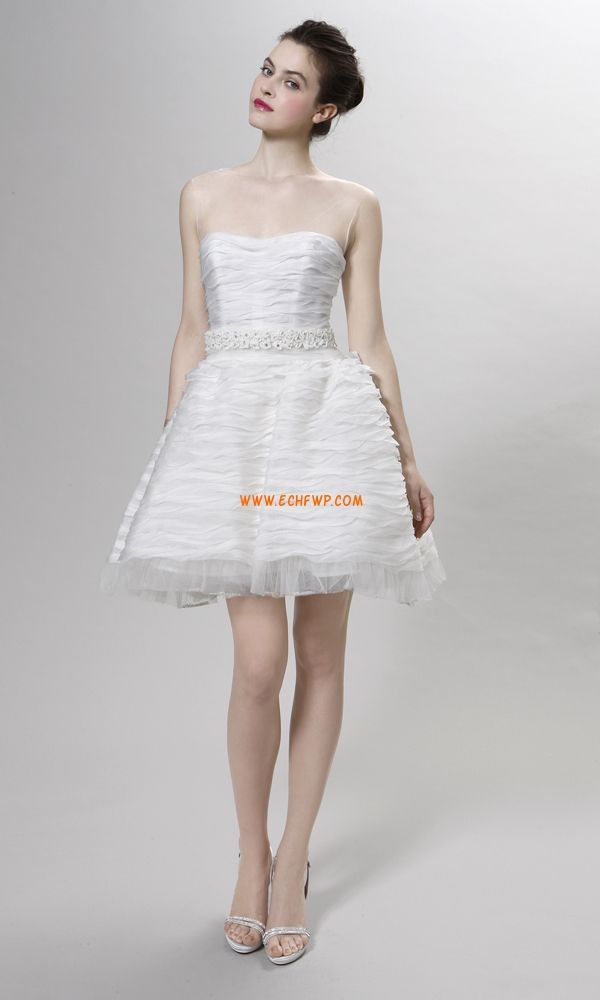 Kert / Kültér 2014 tavasz Hímzés Menyasszonyi ruhák 2014