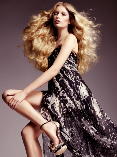 Long hair inspiration hair (Find us on: http://greatlengths.pl/)