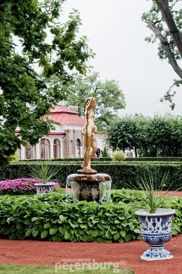 St.Petersburg, Peterhof fontains