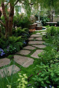 Fresh vorgarten gestalten gartenweg steinplatten pflanzen b ume
