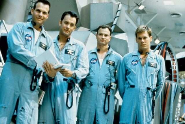 Bill Paxton, Tom Hanks, Gary Sinise, and Kevin Bacon in Apollo 13