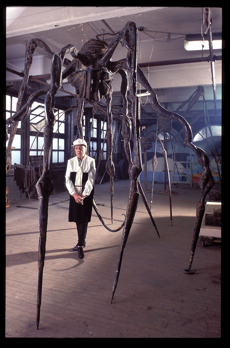 Rare, Candid Photos Show Louise Bourgeois in Her Home and Studio