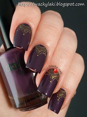 A pretty and elegant dark manicure. Dazzle Dry Stolen Kiss, KleanColor Metallic Yellow and Bundle Monster plate BM-215