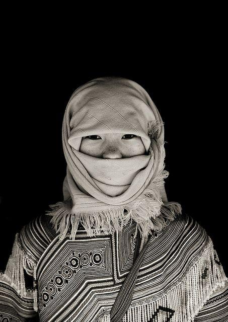 Flower Hmong girl - Vietnam by Eric Lafforgue
