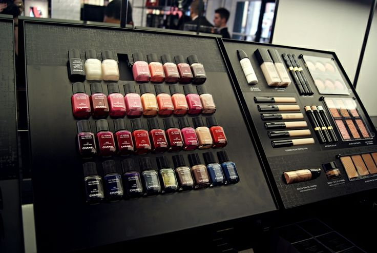 Birds of a feather flock together: Chanel Beauty Pop Up Store Covent Gardens