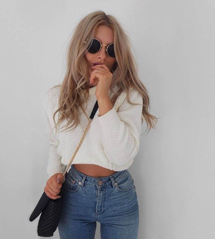 "4,070 Likes, 49 Comments - Lydia Rose (@fashioninflux) on Instagram: ""Found me the perfect mom jeans from @missselfridge ❤️ they've also got 24% off for 24hrs right now!…"""