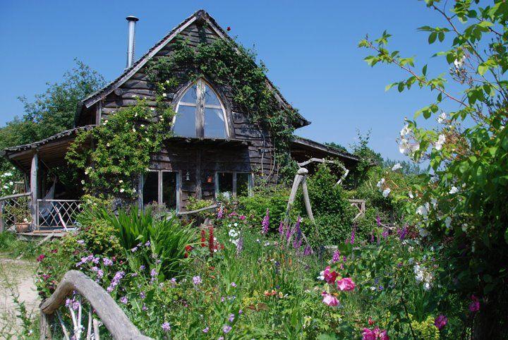 Moon to Moon: Beautiful, Natural, British Homes....