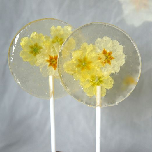 Make your own edible flower wedding favours from flowerpot muffins to floral marshmallows and petal studded chocolates