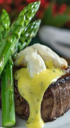 Not so crazy about meat, but this looks delicious. Love asparagus.