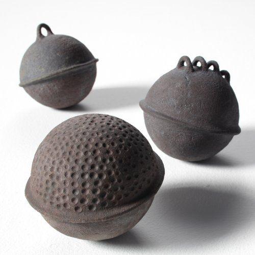 flotteurs-ceramique-virginie-besengez.jpg 500×500 pixels