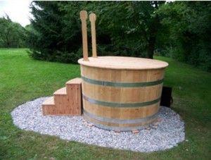 Bath tub / Hot tub