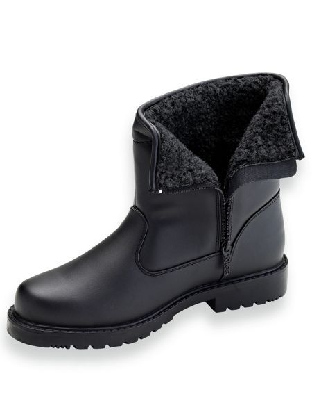 keep your comfortably warm with mens insulated boots