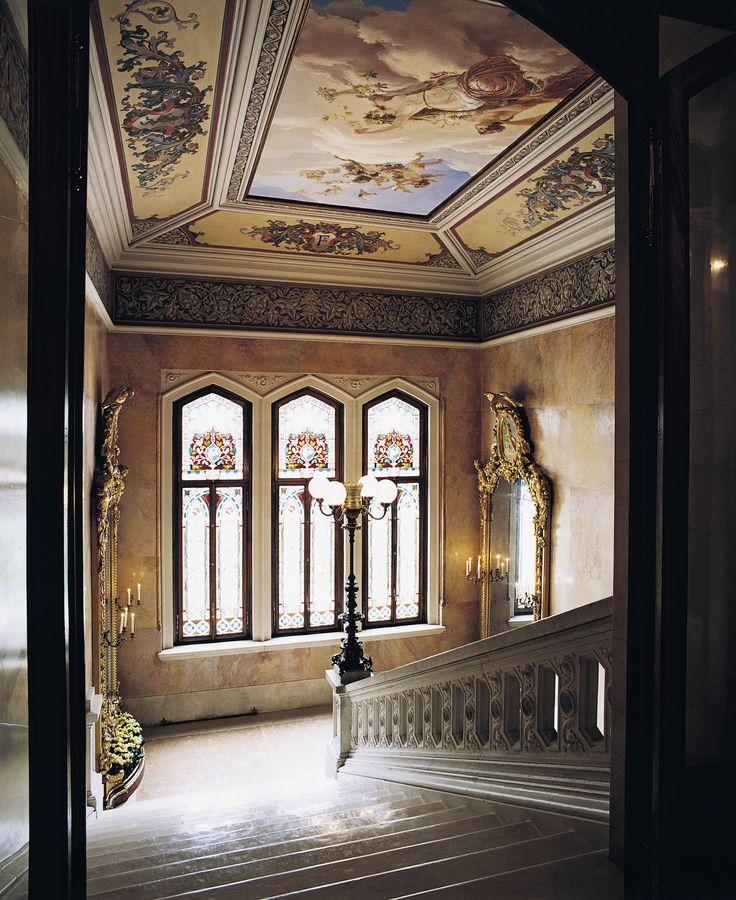 The majestic staircases of Villa Feltrinelli. #lake #garda #grandhotel #villafeltrinelli #staircase #detail #windows