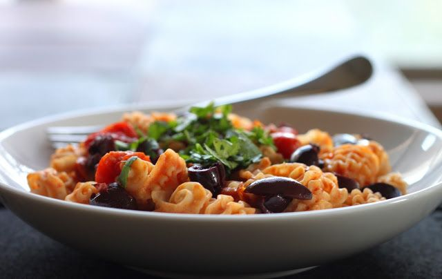 The Cilantropist: Mediterranean Pasta with Hummus and Charred Tomatoes