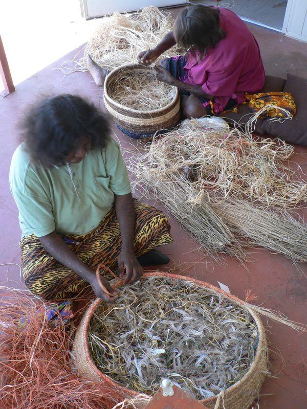 Tjanpi Corner | Tjanpi Desert Weavers