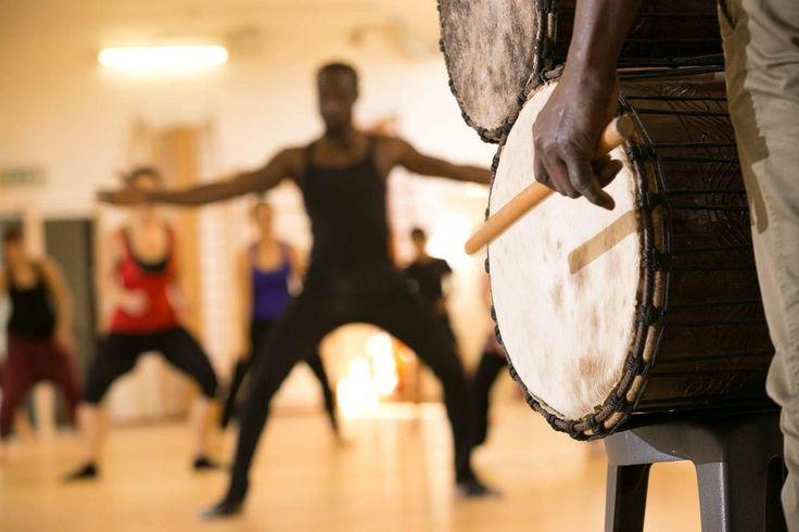 Una lezione di Danza Afro con Dotcha è molto coinvolgente e di solito è accompagnata da #percussioni dal vivo. Afro a #Lambrate