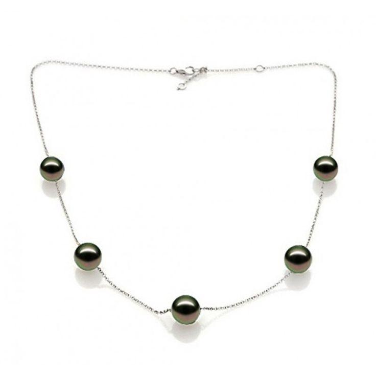 Collier Lauren en argent cinq perles perles de Tahiti rondes.    Lauren Sterling silver necklance with its five Tahitian pearls.    #Poemana #necklace #jewelry #jewellery #bijoux #collier #Tahiti #madeinFrance