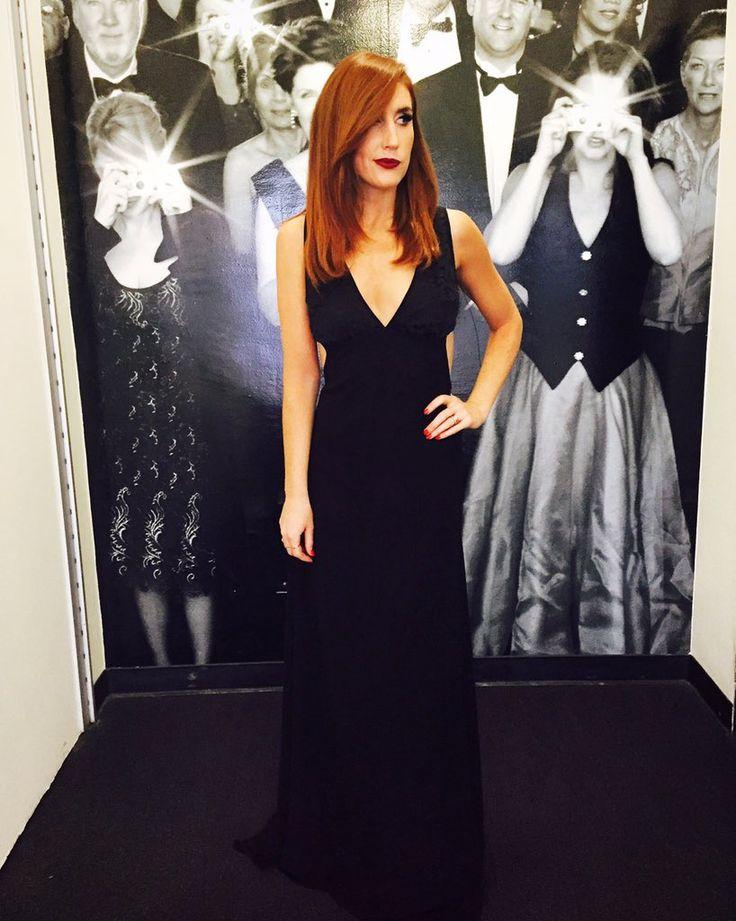 Long dress, short hair, one eye at the @hollywoodawards -JESSI CRUICKSHANK #dress #chic #style