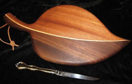 Leaf cutting board by Fiddlekate (Katie Waller), via Flickr