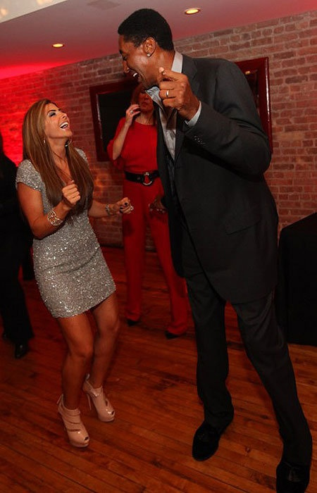 Michael Jordan gave Scottie Pippen a dance-off for Pip's 47th birthday. Yes, a dance-off. (WireImage) #Dance #Birthday #Fun #Crazy #MJ #Bulls #Chicago
