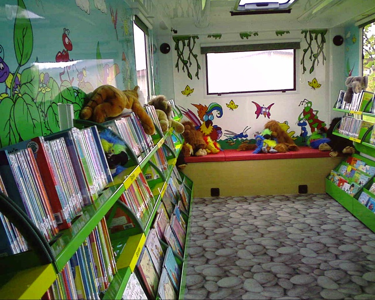 Children's Mobile Libraries: May 2010