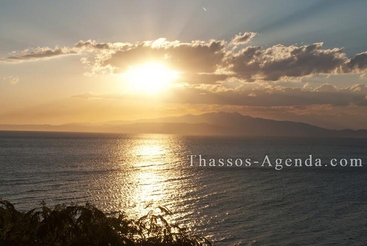 Skala Kallirachi in Thassos! A few minutes before the sun hides behind the mountains. Enjoy!