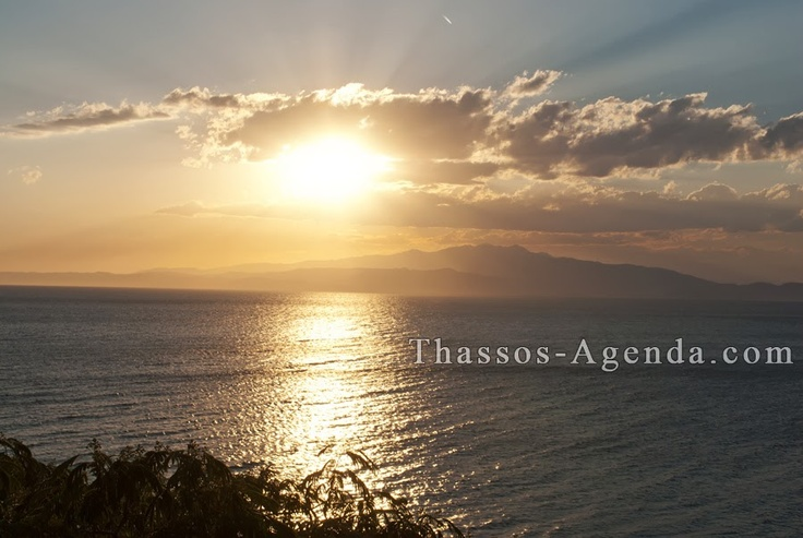 Skala Kallirachi in Thassos! A few minutes before the sun hides behind the mountains. Enjoy!
