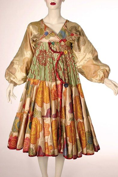 zandra-rhodes-designer-fashion-is-art-christopher-guy-textiles-ss10.jpg (393×590)