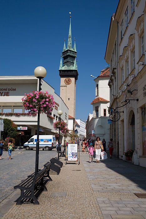 Зноймо - старинный город  на Южной Моравии Чехия), расположен в 10 км от границы с Австрией.
